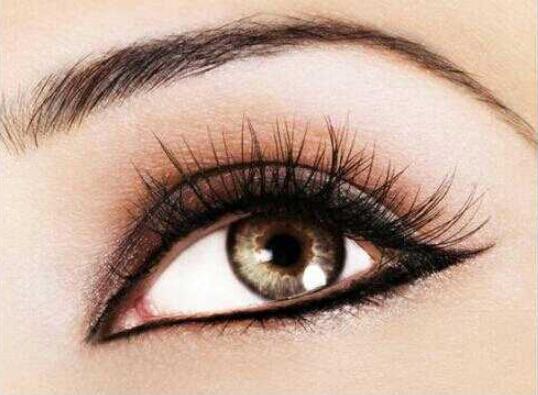 单眼皮纹眼线 让你双目更传神