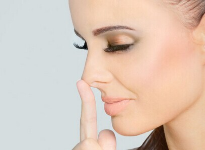 鼻尖有了缺损该如何进行修复?