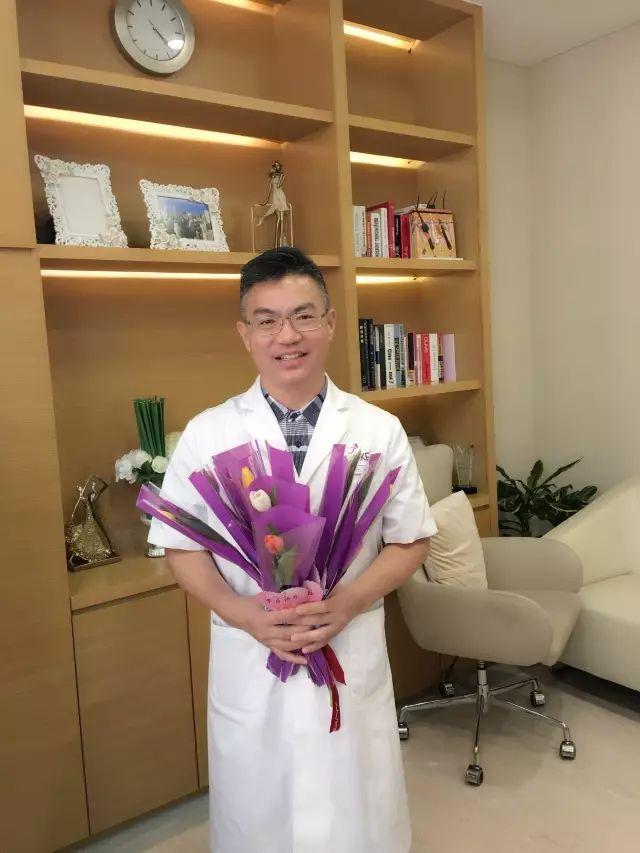上海美莱微整形 申涛主任