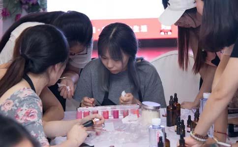 鼻翼缩小多少钱能做在上海