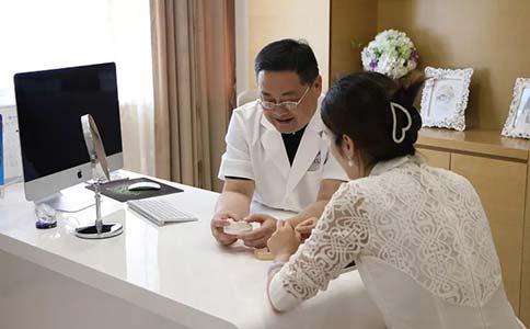 上海自体脂肪隆下巴好吗,手术过程大概要多久?
