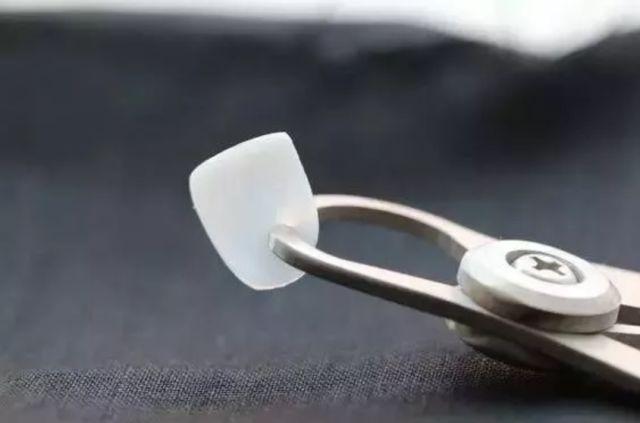 美莱医生告诉你:假体丰胸材料怎么选择!
