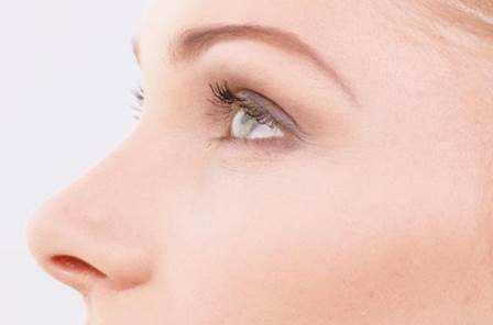 一般什么情况下要取出隆鼻假体?