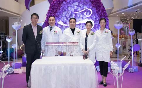 上海正规医院割双眼皮疼吗
